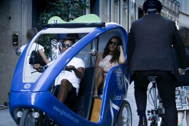 Fashion Shopping Tour in Rickshaw